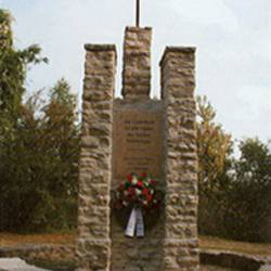 Kriegerdenkmal am Ortseingang